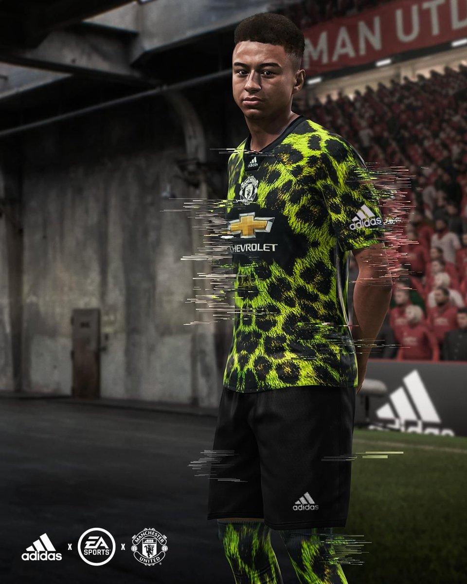 sale retailer b0de7 e2811 18-19 Manchester United EA Sports Green Jersey Shirt