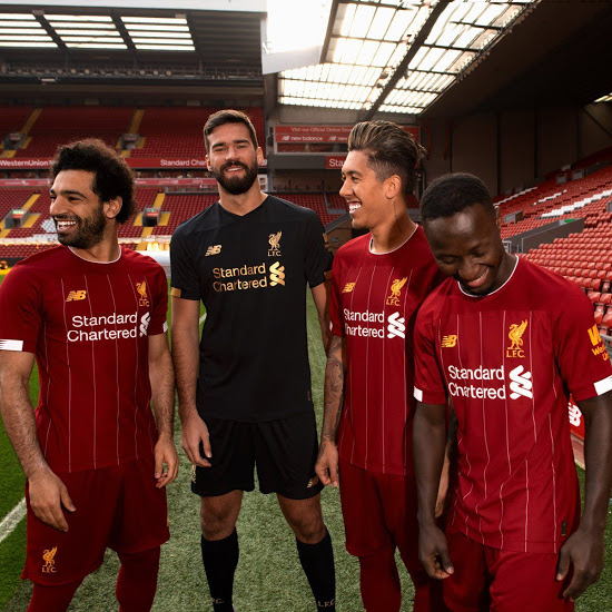 10-12 Liverpool Home Shorts Boys